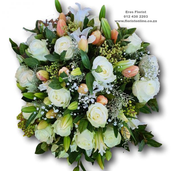 elegant bunch by Eros Florist